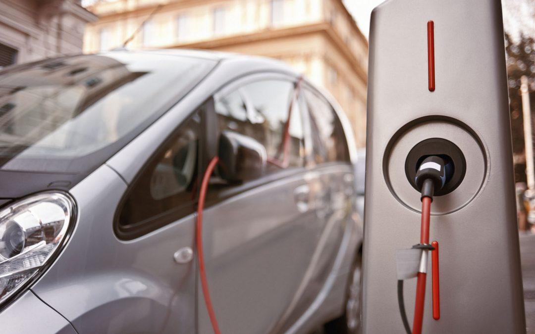 Auto elettriche – arrivano le ricariche superveloci